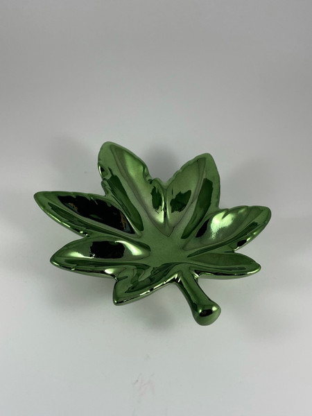 Non-Brand 5 inch Green  Anodized Leaf Shape Ashtray