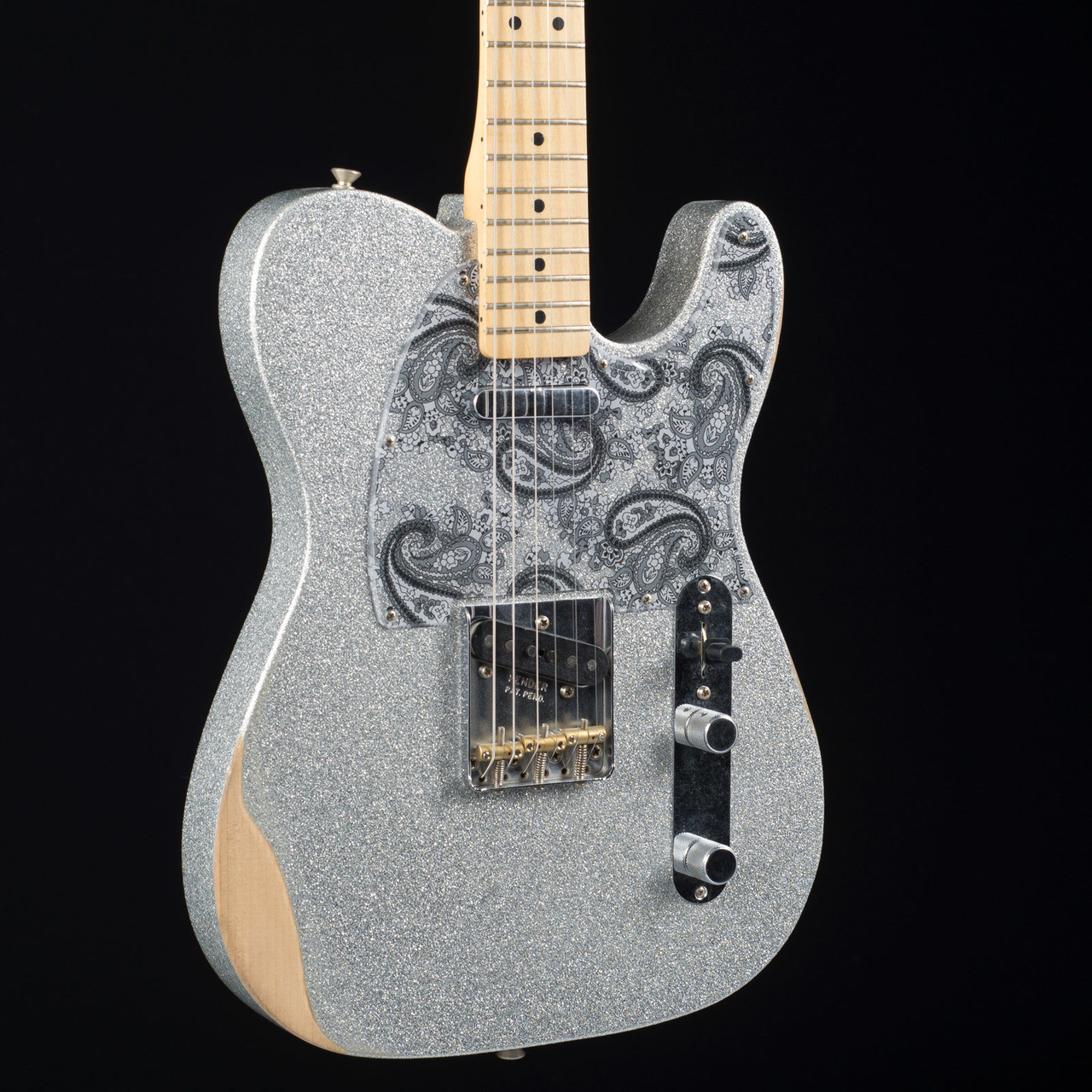fender brad paisley road worn telecaster silver sparkle 9888 at moore music. Black Bedroom Furniture Sets. Home Design Ideas