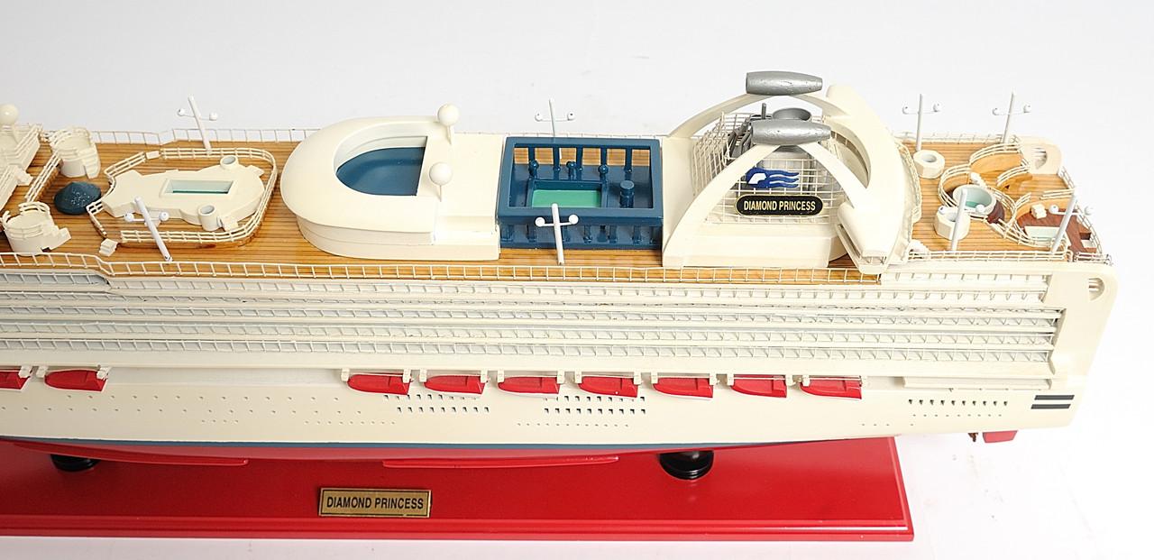 """Diamond Princess Model Ship - 32"""""""