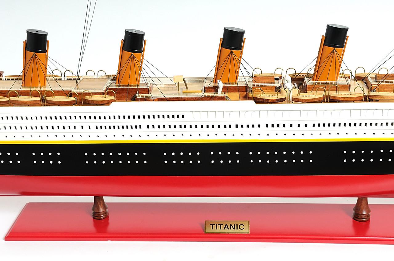 TITANIC PAINTED - Extra Large