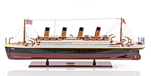 """RMS Titanic Model Ship - 32"""""""