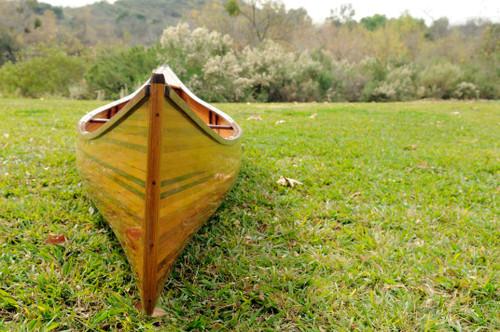 Wooden Canoe - 18' (K002)