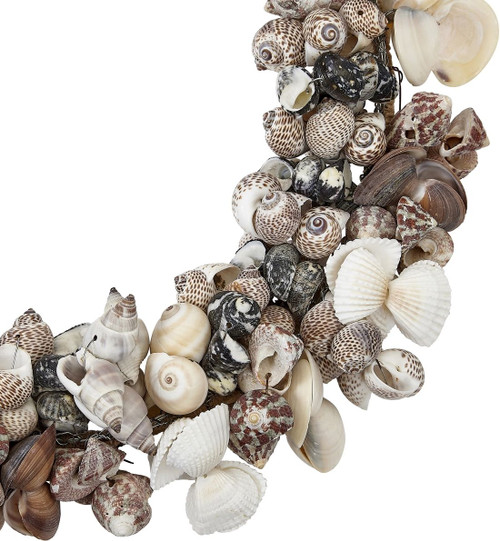 Medium Assorted Shell Wreath - 11""