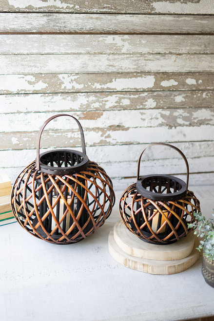 Round Brown Willow Lanterns with Wooden Handle - Large