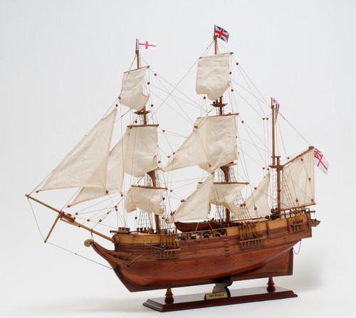 "HMS Beagle Model Ship - 29"""