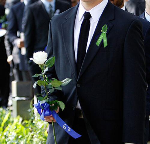 diabetes awareness ribbons men wearing