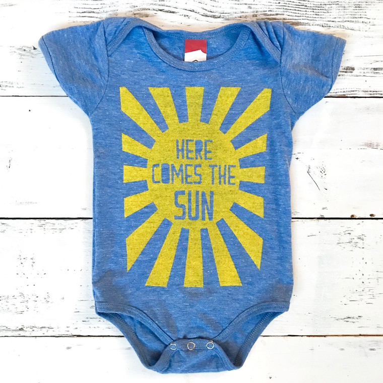 Here comes the sun onesie (light blue)