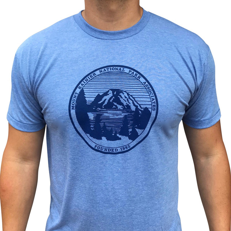 Mount Rainier Vintage mens/unisex t-shirt