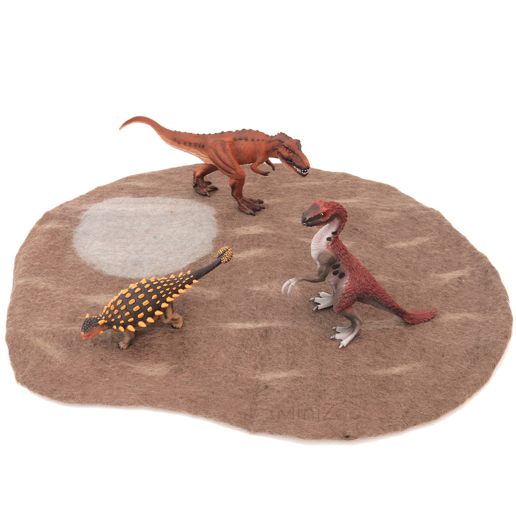Papoose Dino Mat Small with dinosaurs (sold separately)