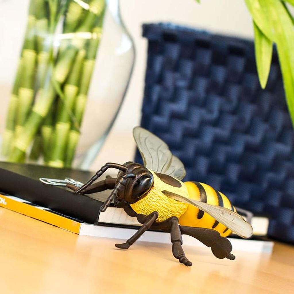 Safari Ltd Honey Bee IC