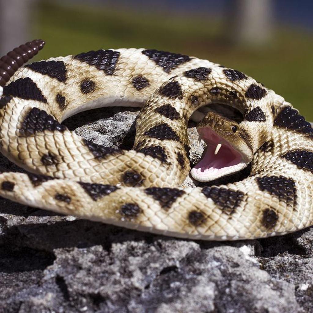 Safari Ltd Eastern Diamondback Rattlesnake IC