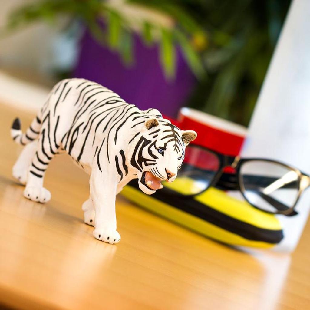 Safari Ltd Siberian Tiger White Jumbo