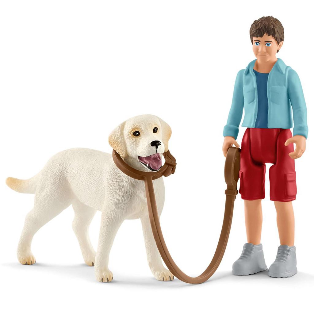 Schleich Walking with Labrador Retriever