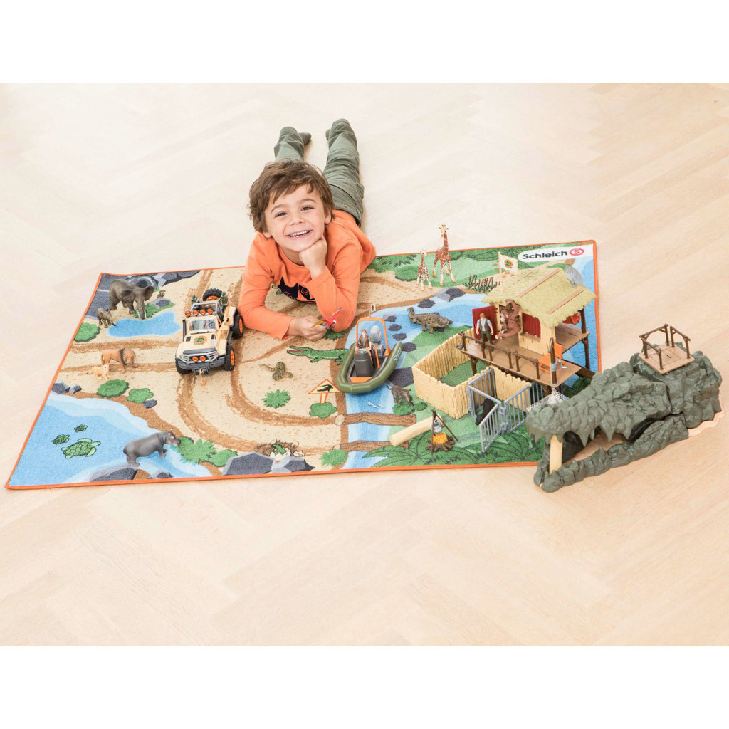Schleich Wild Life Playmat in use