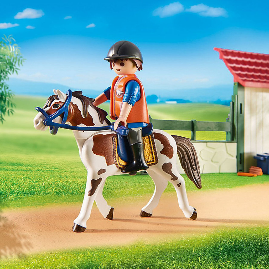 Playmobil Horse Grooming Station lifestyle horse and rider