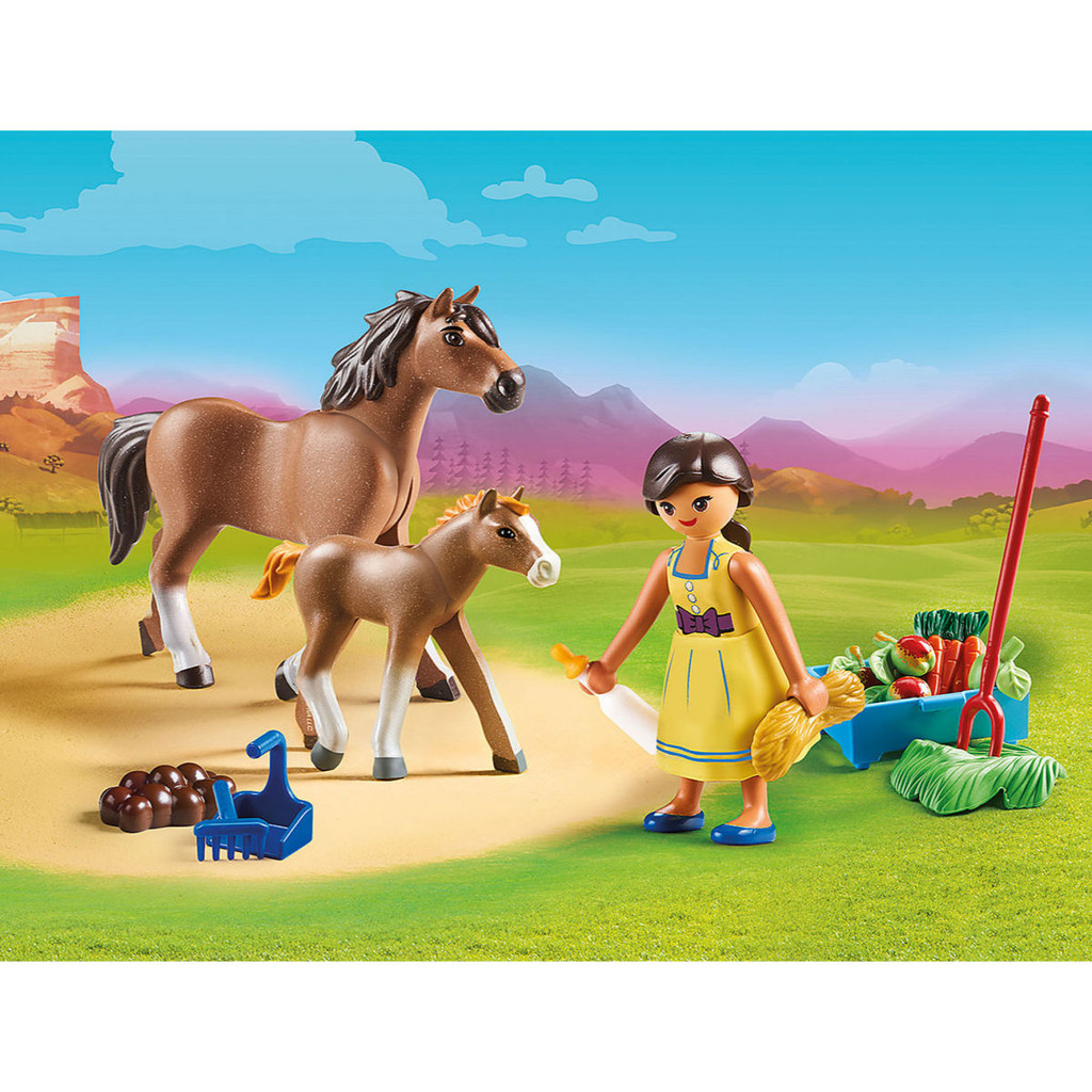 Playmobil Pru with Horse and Foal lifestyle