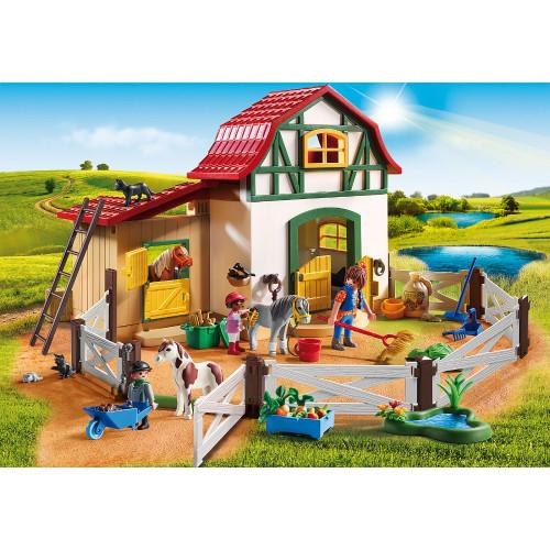 Playmobil Pony Farm lifestyle