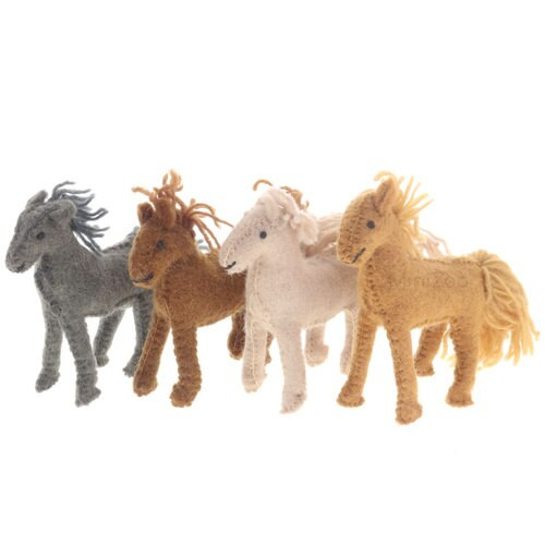 Papoose Barn Horses 4pc