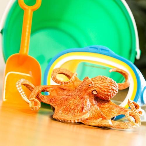 Safari Ltd Giant Pacific Octopus IC