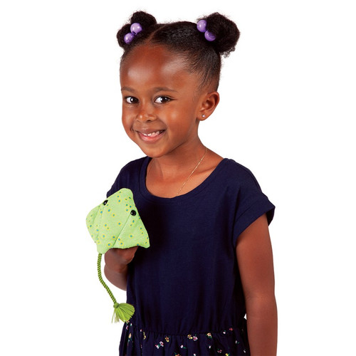 Ray Finger Puppet with child