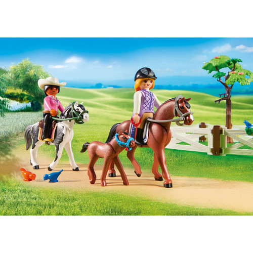Playmobil Horse Farm lifestyle horse and riders