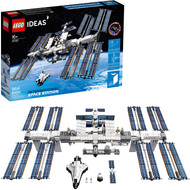 LEGO Ideas International Space Station 21321 Building Kit, Adult Set for Display, Makes a Great Birthday Present (864 Pieces)