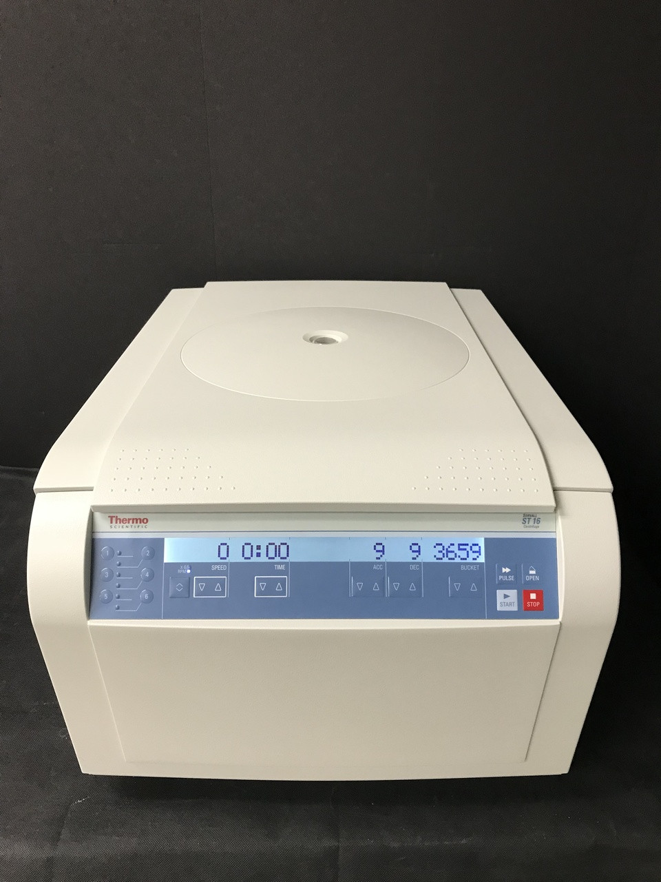 Thermo ST 16  Refurb S/N 292958 with TX200 Rotor,Buckets,Lids and 6Month  warranty