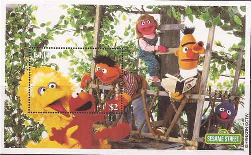 Fiji - 2000 Sesame Street - Stamp Souvenir Sheet - Scott #883