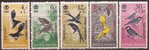 Indonesia - 1965 Birds Dove Oriole Sparrow - 5 Stamp Set #B160-4