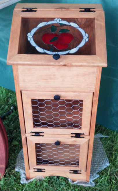 Potato Vegetable Storage Bin - Chicken Wire Apples