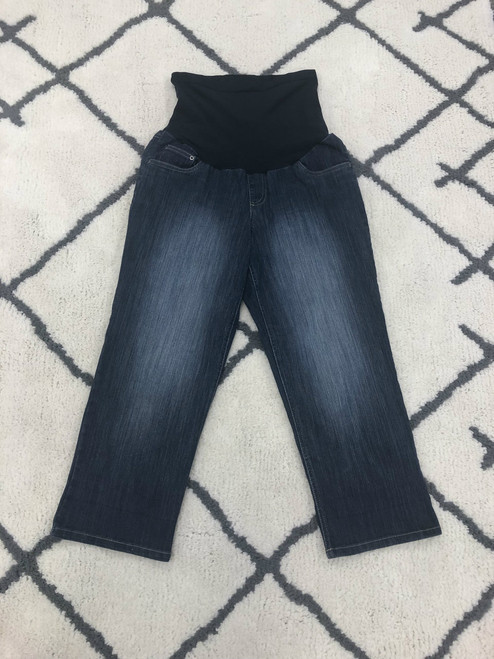 Two Hearts Maternity denim crop. Size large. Blue wash. 75% cotton 23% polyester 2% spandex. Machine washable. Pre-loved.
