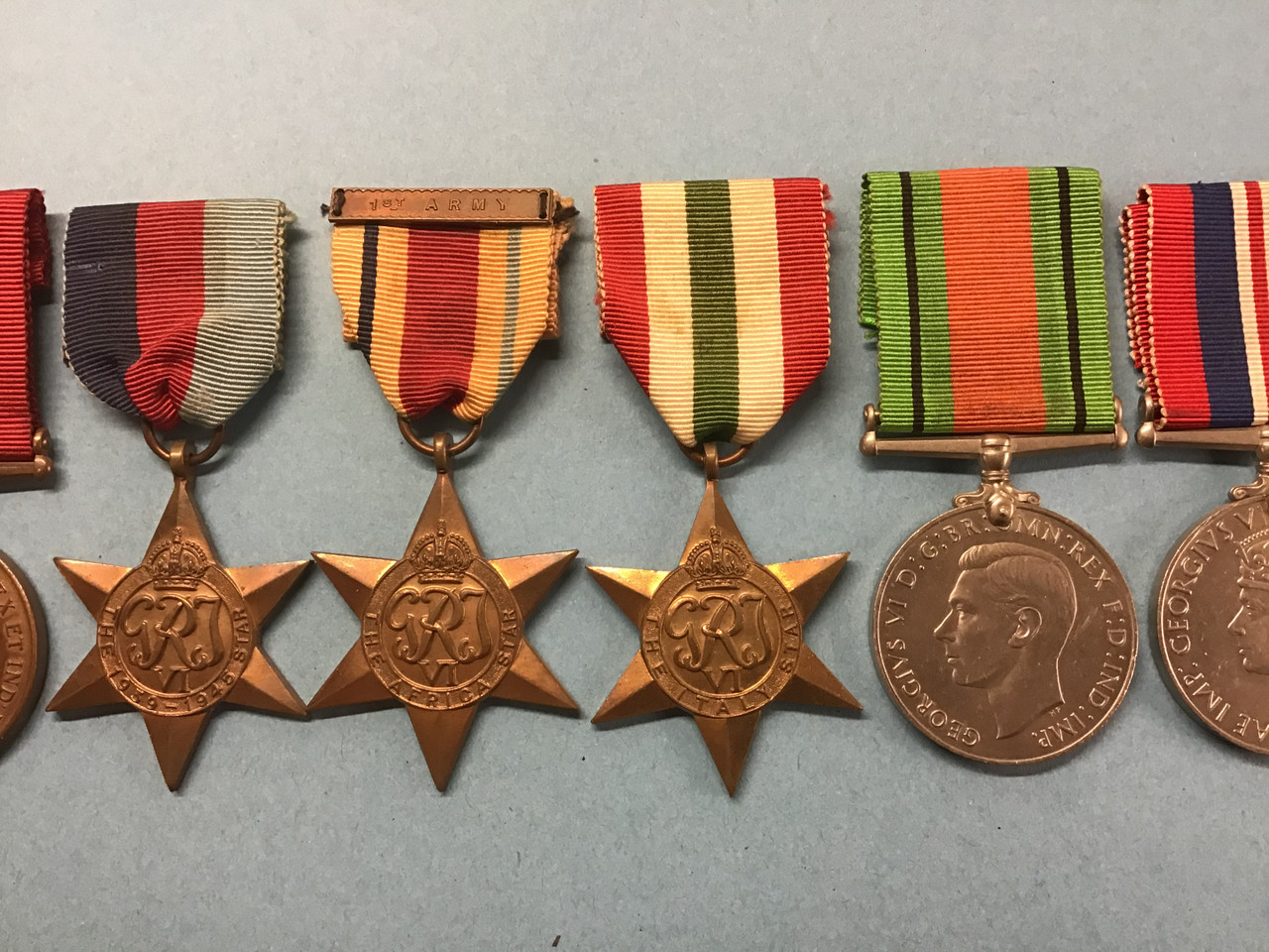 GD 934 GROUP OF EIGHT WWI/WW2 MEDALS