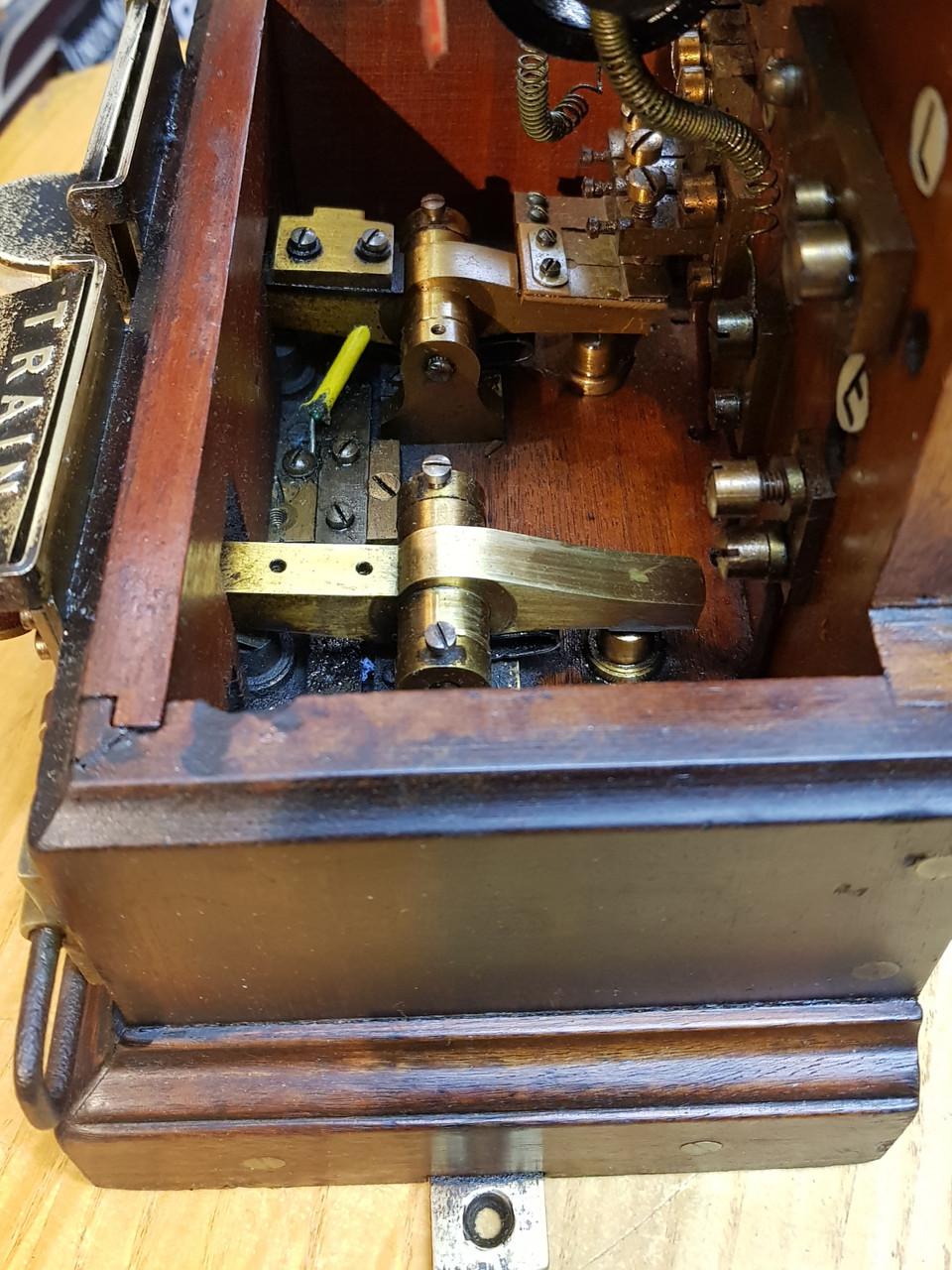 VT 0305.  EARLY PATTERN G.W.R UN-MODIFIED SPAGNOLETTI  BLOCK INDICATOR.