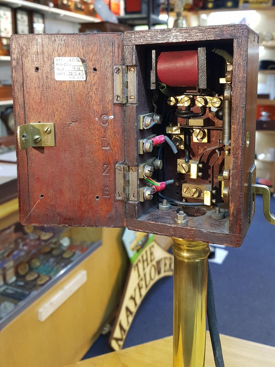 VT 3147. MIDLAND RAILWAY SIGNAL BOX CANDLE STICK TELEPHONE.