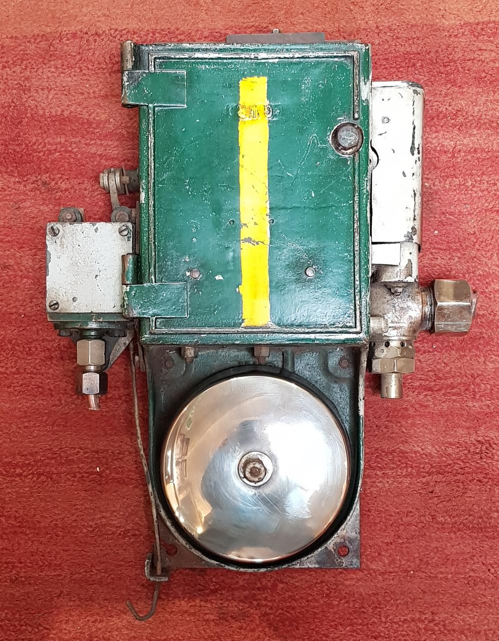 VT 3351. G.W.R. LOCOMOTIVE CAB WARNING BELL APPARATUS
