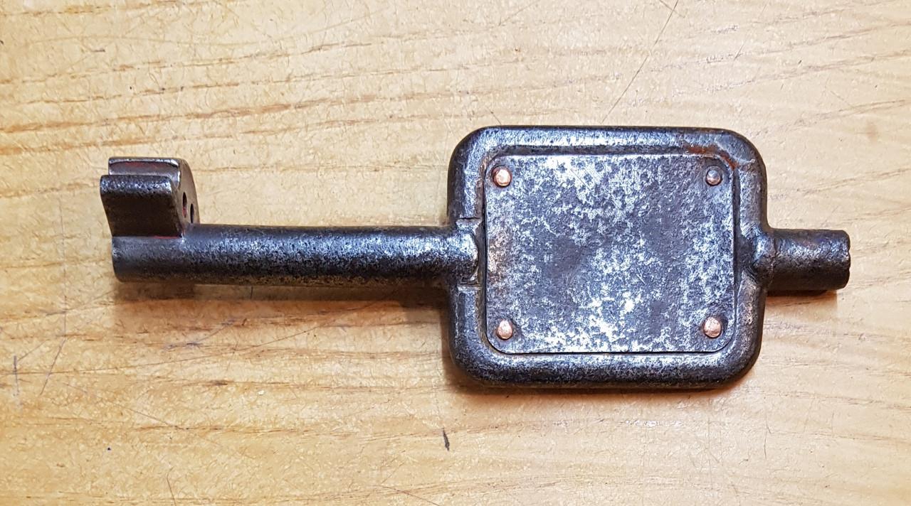 """VT 3452. G.W.R. SINGLE LINE STEEL KEY """"MOAT LANE JUNC WEST-CAERSWS"""""""