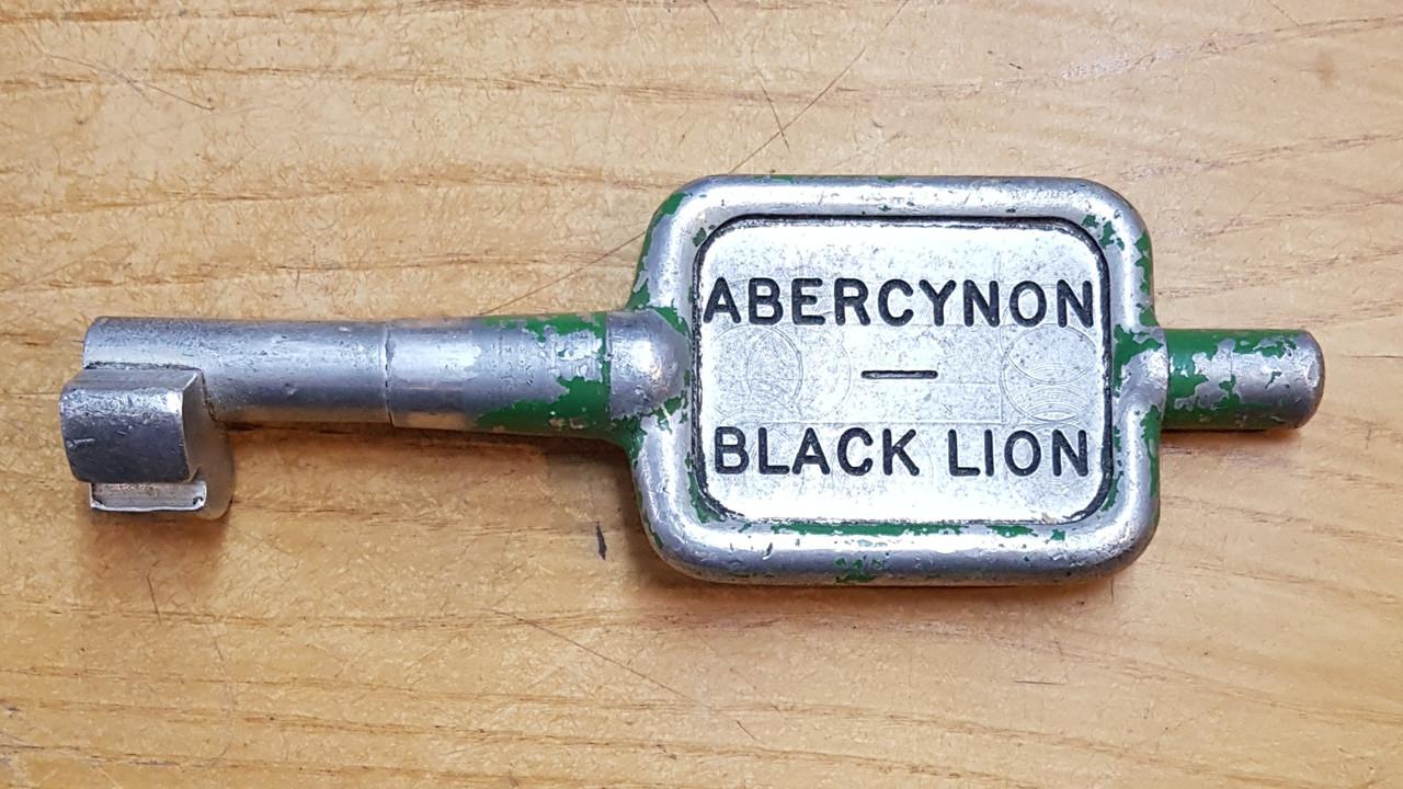 VT 3446.  ALLOY SINGLE LINE KEY ABERCYNON-BLACK LION