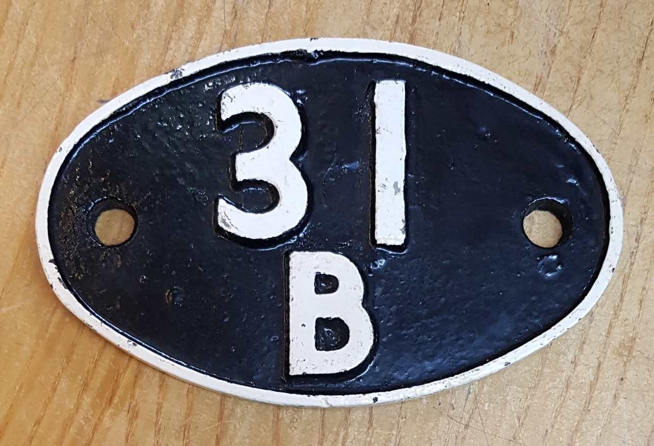 VT 3613 . CAST IRON SHED CODE PLATE  31 B MARCH.