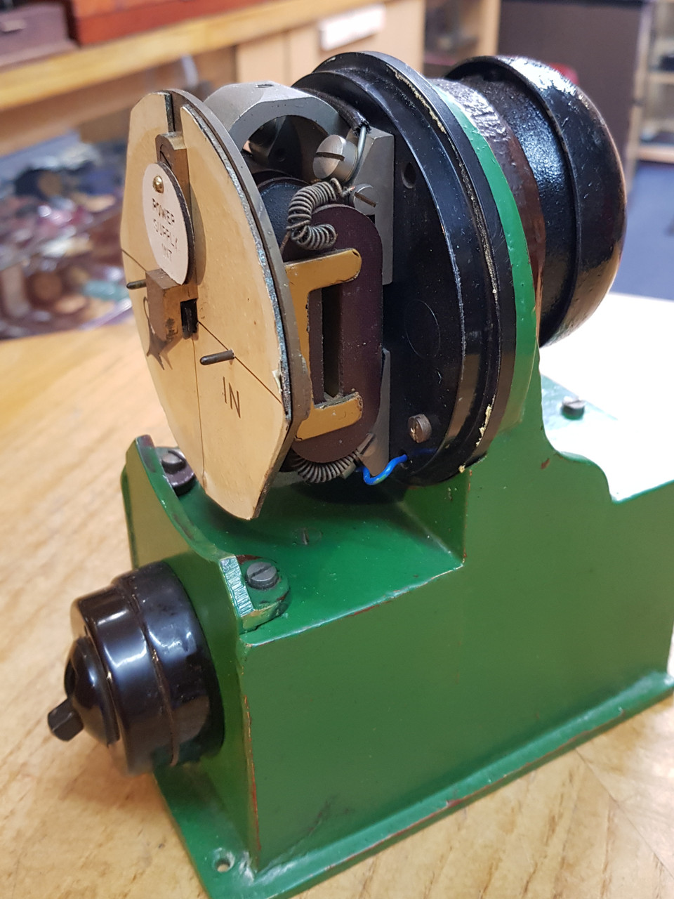 VT 3433. L.N.E.R. COMBINED POWER INDICATOR & SWITCH.