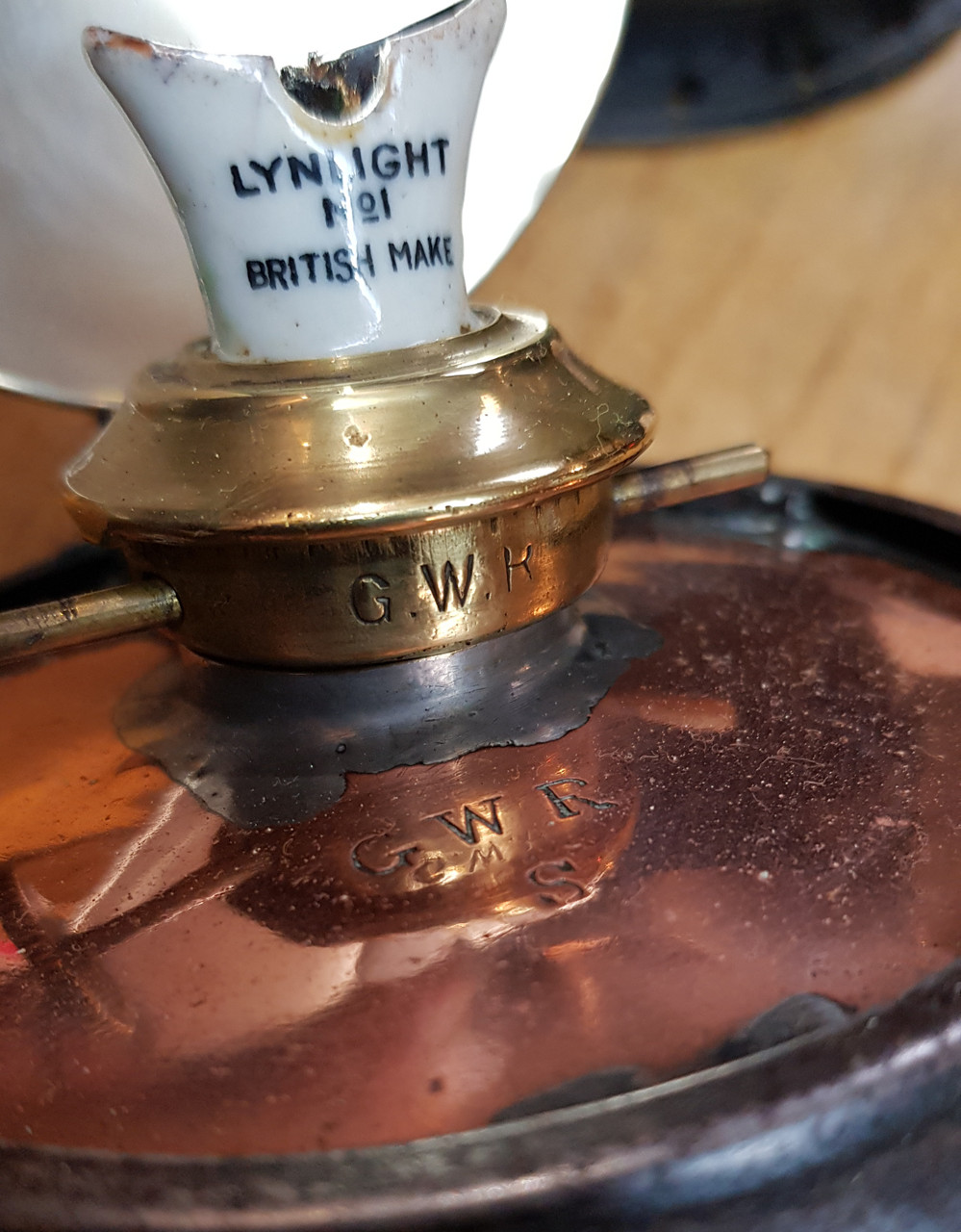 "VT 3775. GREAT WESTERN RAILWAY 2 ASPECT ""COPPER TOP"" HANDLAMP."