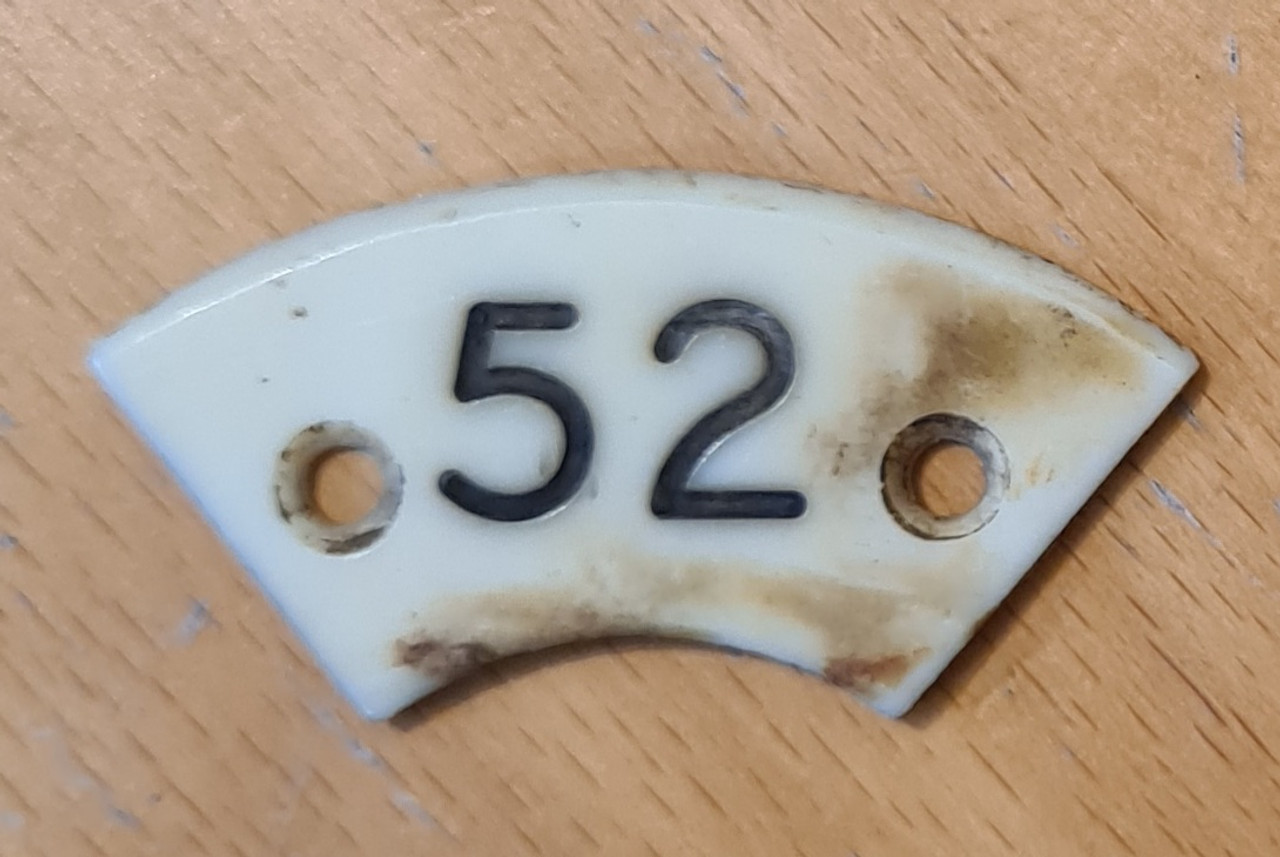 VT 1784 IVORINE PLATE FROM SIGNAL BOX PLUNGER. NUMBER 52