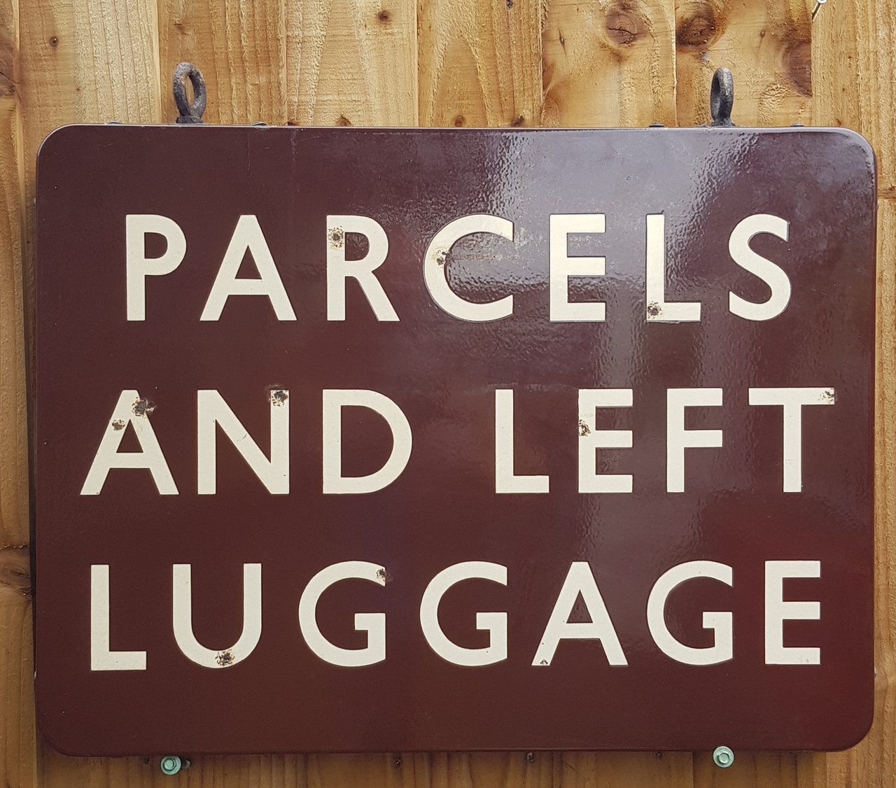 """VT 3864. B.R(W)  DOUBLE SIDED 24"""" X 18"""" """"PARCELS AND LEFT LUGGAGE"""""""