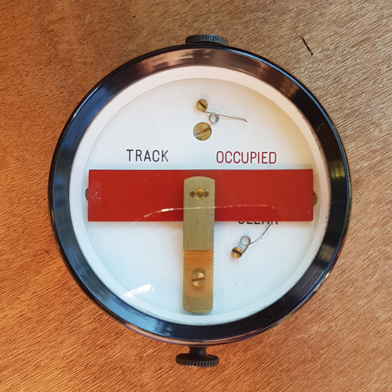 VT 4113. BR WR  BAKELITE TRACK CIRCUIT INDICATOR BY R.E.THOMPSON.
