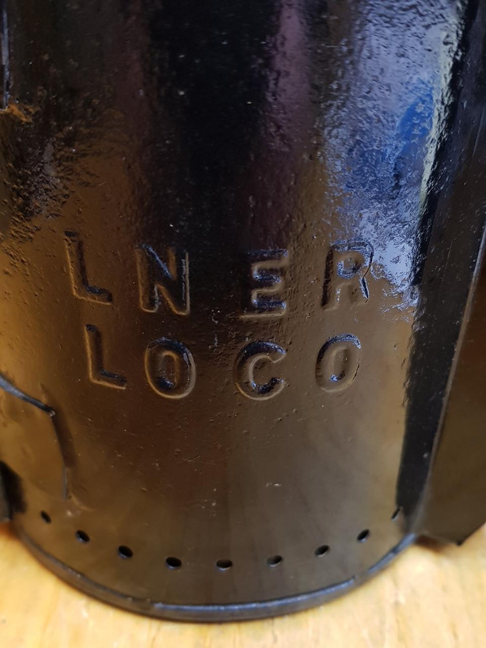 VT1264. LNER 2 ASPECT LOCO HAND LAMP.