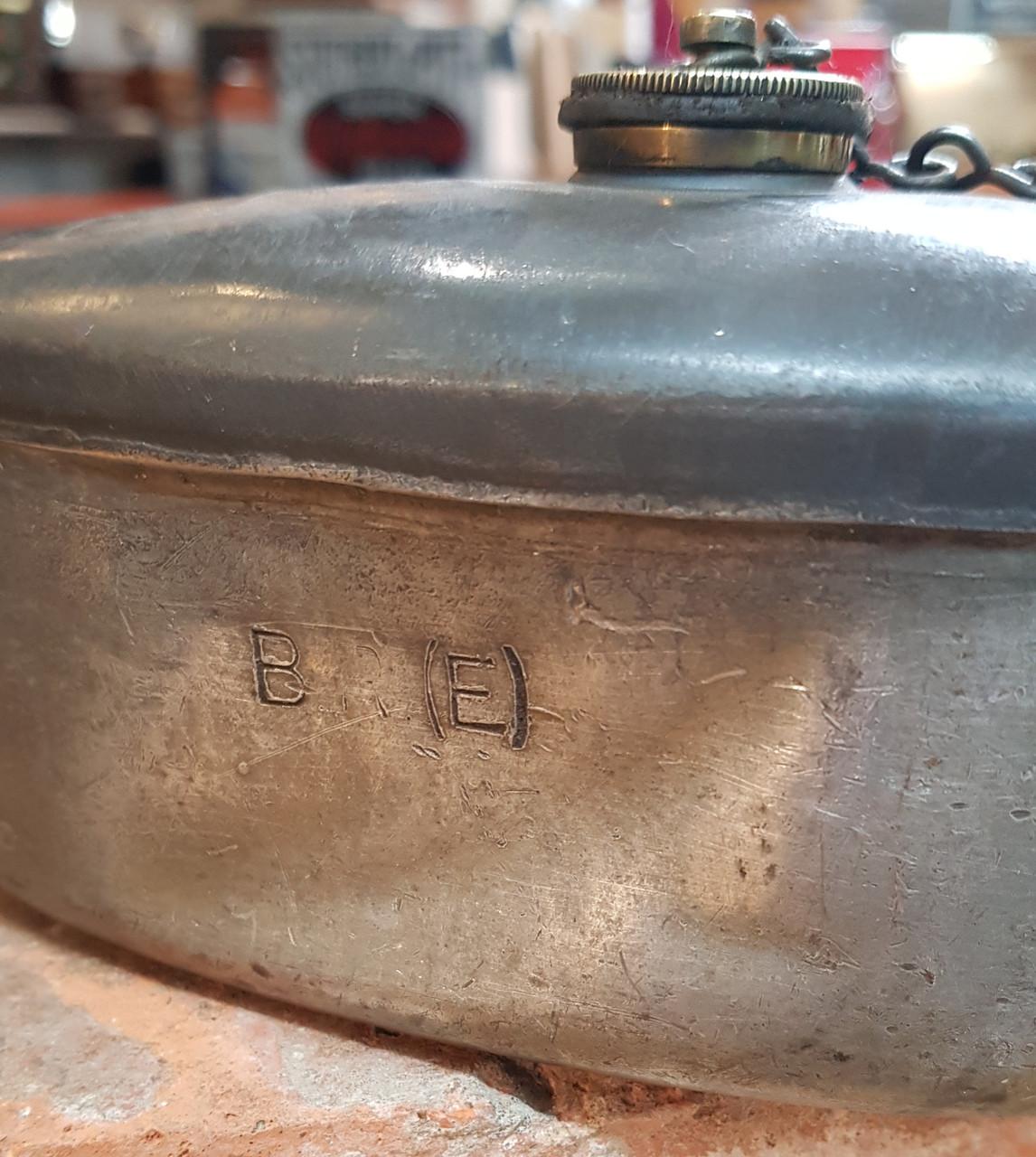VT1915 B.R (E). LARGE DRIVERS LOCOMOTIVE OIL CAN