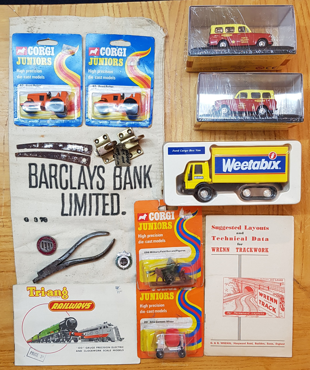 VT 2664. DEALERS ASSORTED COLLECTION BOX.