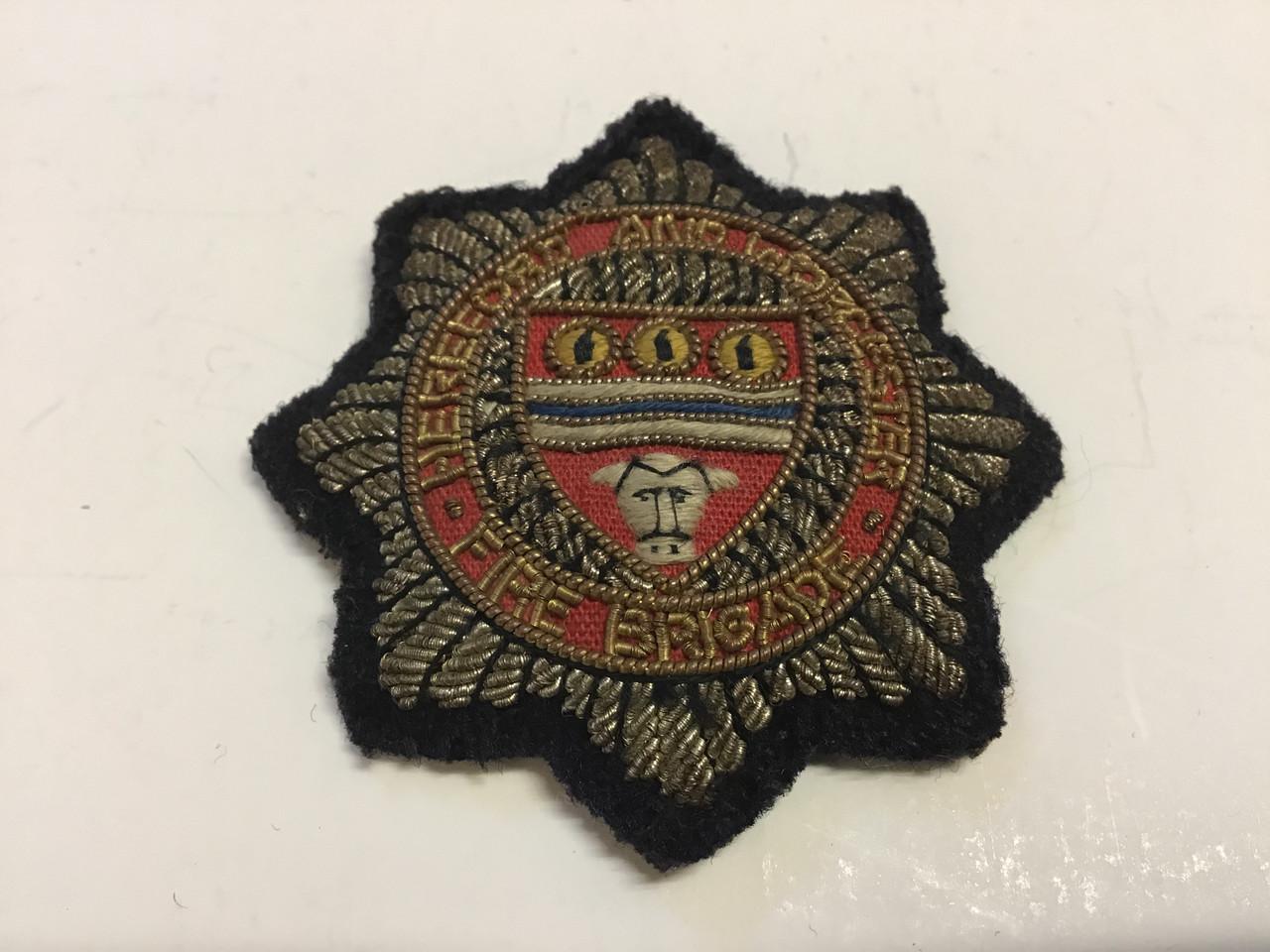GD 571 HEREFORD & WORCESTER FIRE BRIGADE SENIOR OFFICER CAP BADGE.