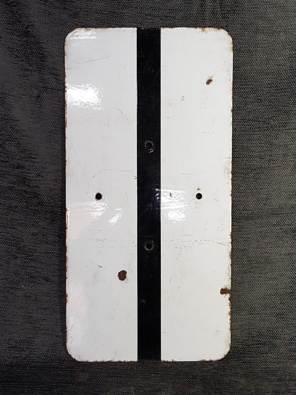 VT 2200. ENAMEL INTERMEDIATE SIGNAL IDENTIFICATION PLATE