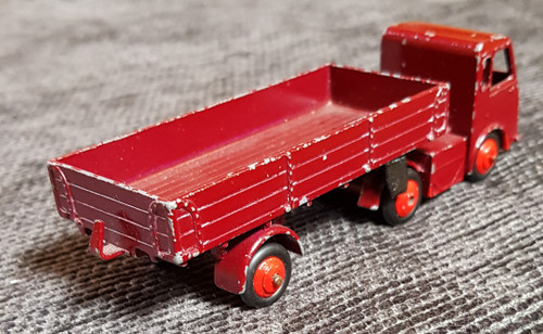 VT 3057. DINKY ELECTRIC ARTICULATED LORRY 421.