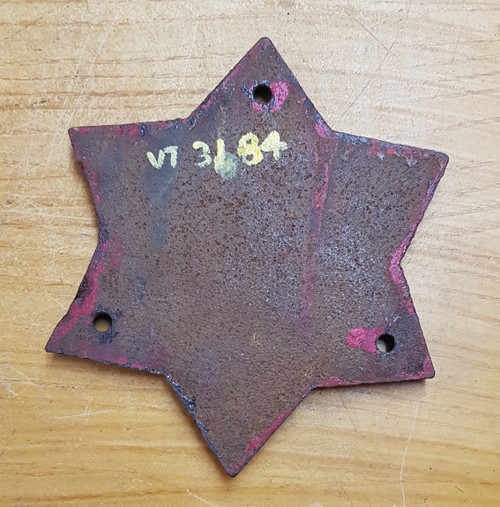 VT 3184. CAST IRON TANKER WAGON STAR PLATE LN.E.R. DATED 1931